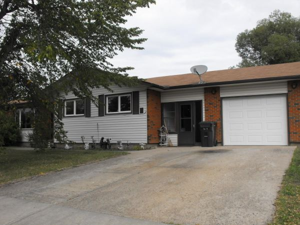 5106 56A Avenue, Elk Point for sale