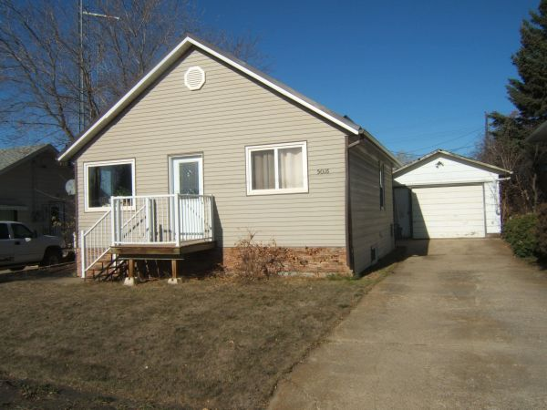 5016 52 Avenue, Two Hills for sale